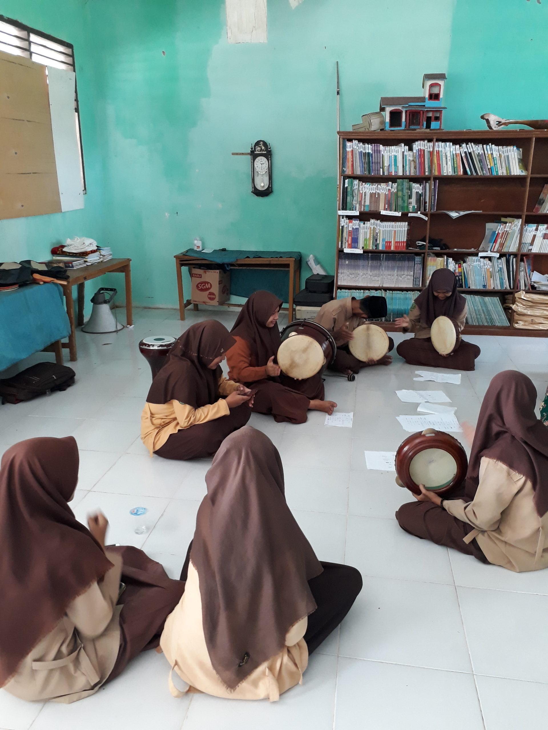 Madrasah Aliyah Miftahul Jannah Selatbaru UpGrade Group Hadroh